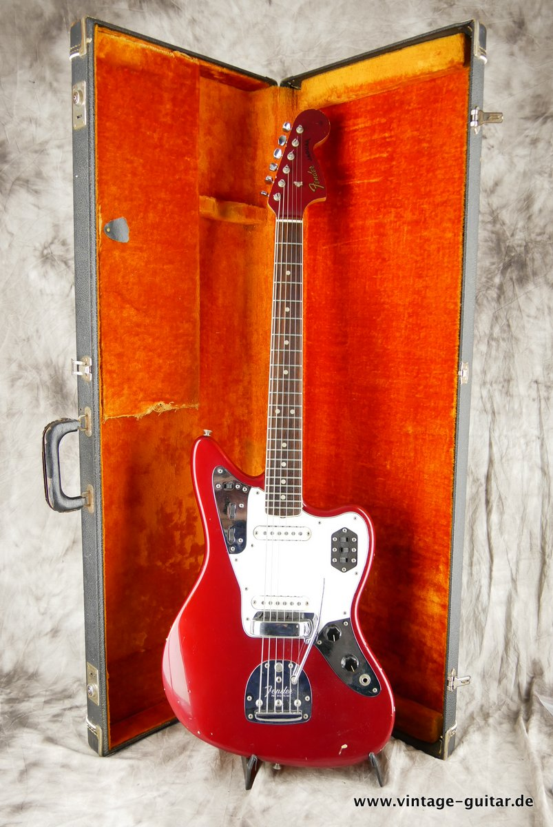 img/vintage/3548/Fender_Jaguar_candy_apple_red_1966-030.JPG