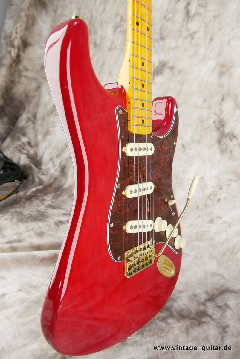 Fender_Stratocaster_Mexico_2013_Crimson_Red_transparent-005.JPG