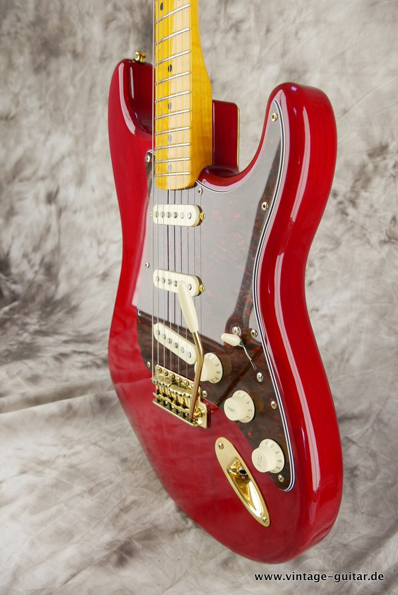 Fender_Stratocaster_Mexico_2013_Crimson_Red_transparent-006.JPG