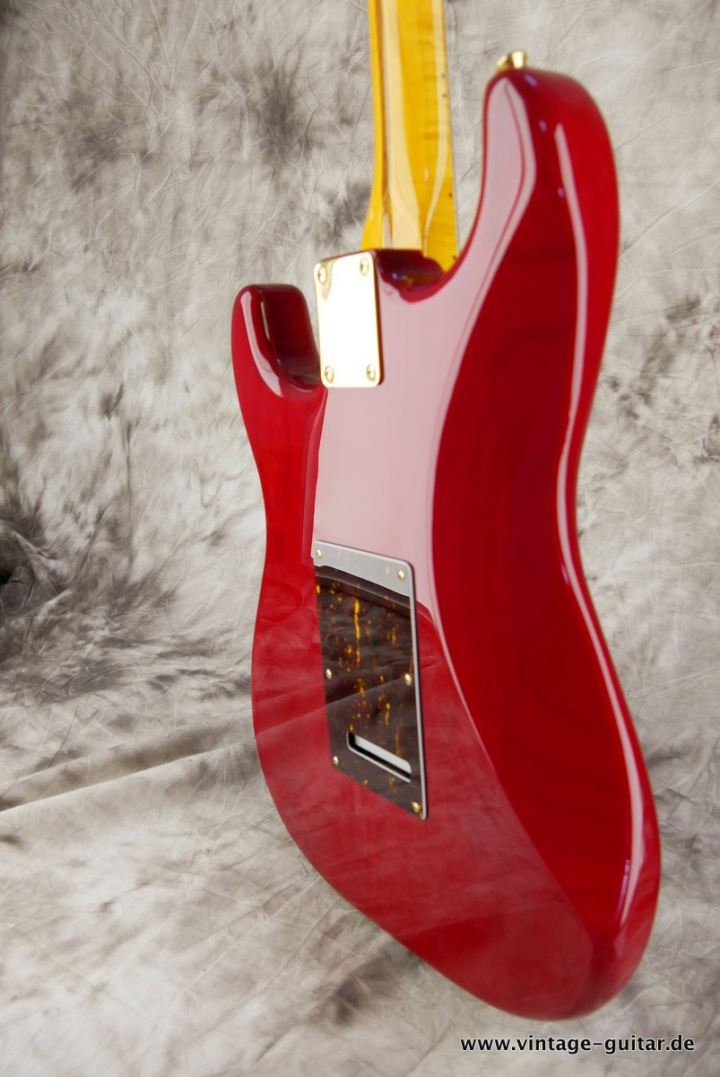 Fender_Stratocaster_Mexico_2013_Crimson_Red_transparent-007.JPG