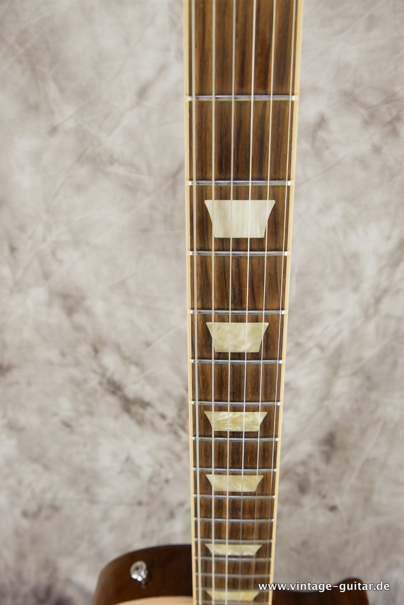 Gibson_Les_Paul_Traditional_honey_burst-2010-011.JPG