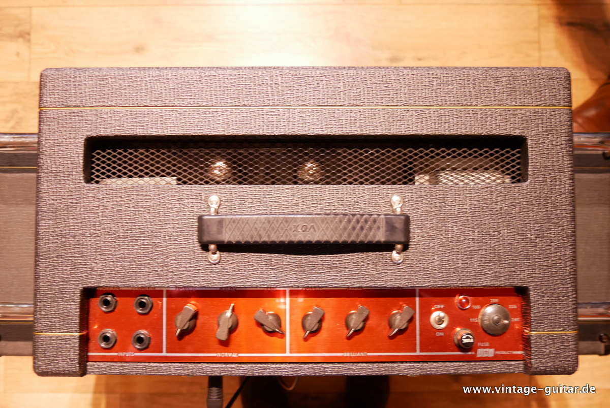 img/vintage/3618/Vox_AC-50_flat_cab_surround_stand_1964-005.JPG