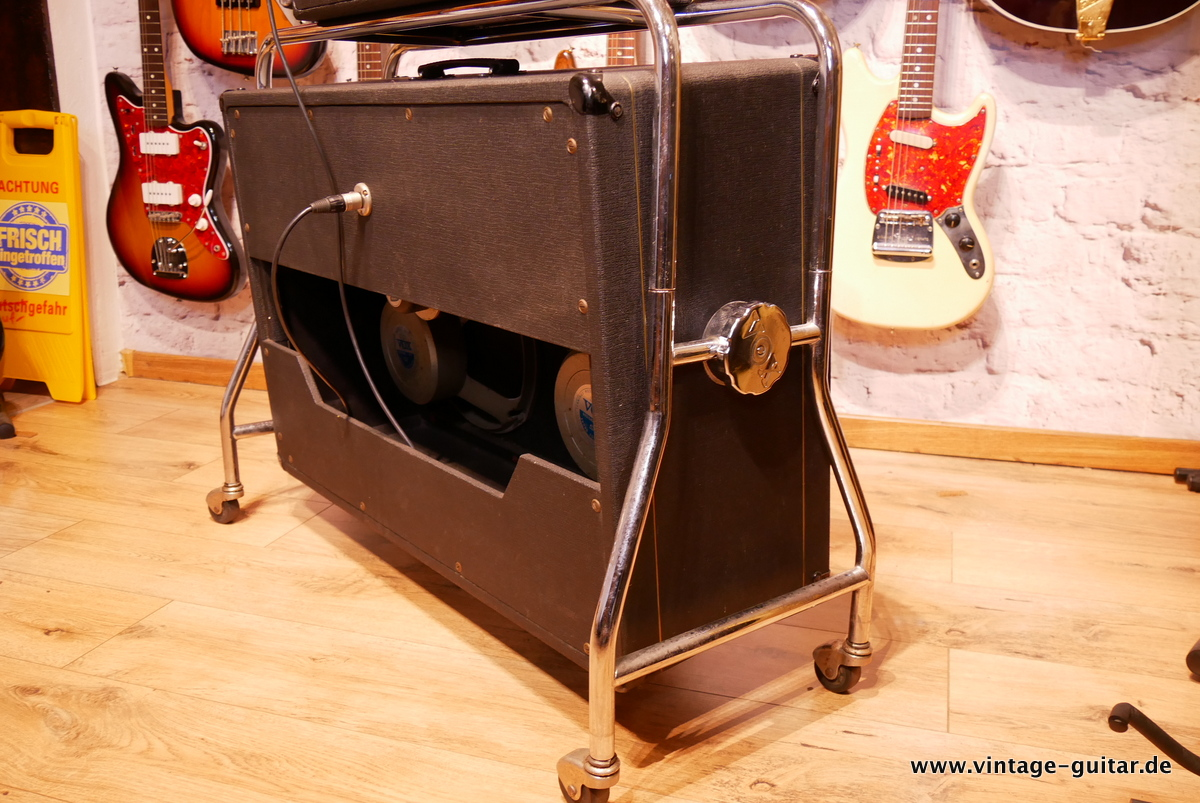 img/vintage/3618/Vox_AC-50_flat_cab_surround_stand_1964-006.JPG