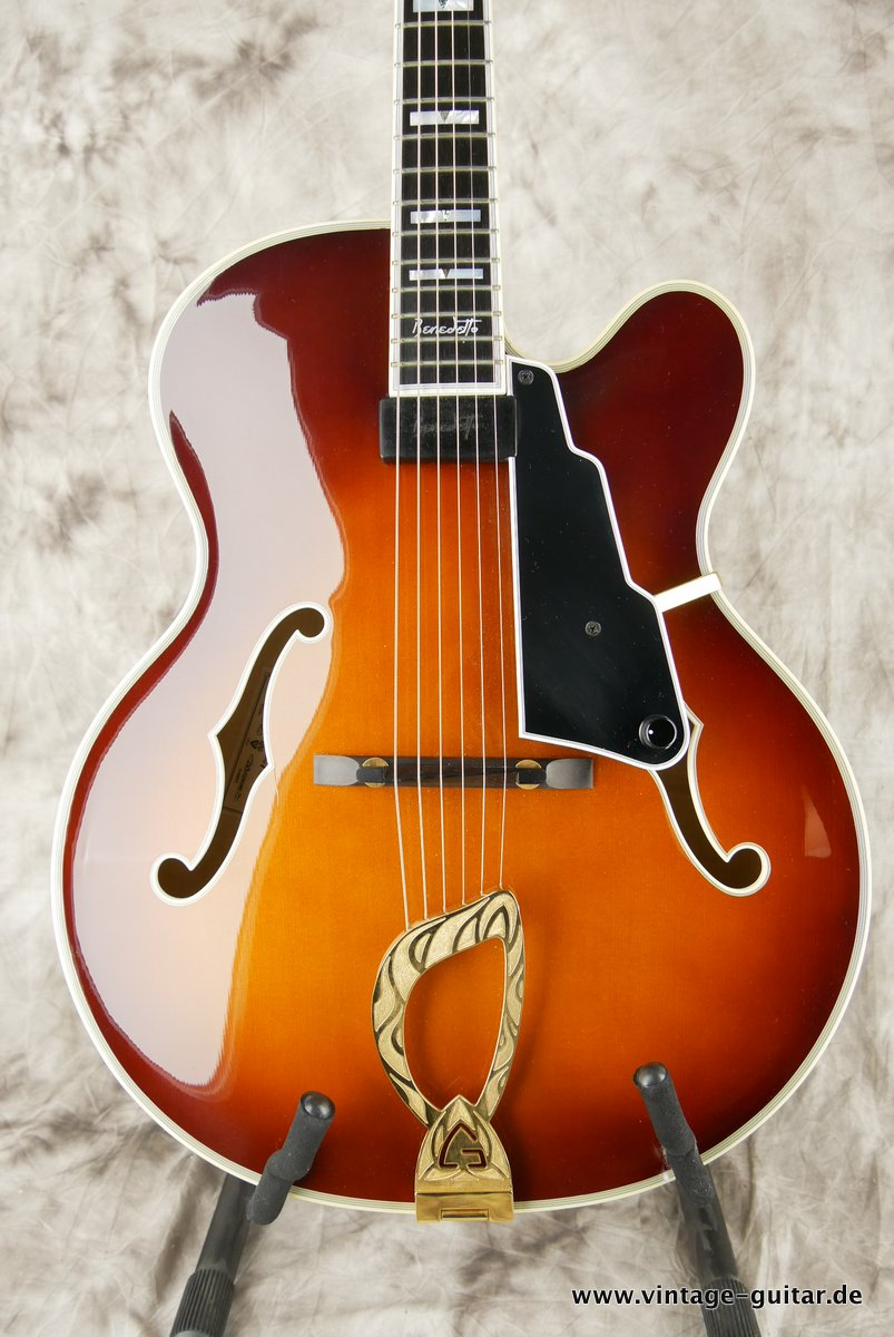 img/vintage/3663/Guild_Benedetto_Johnny_Smith_Award_violin_sunburst_2004-003.JPG
