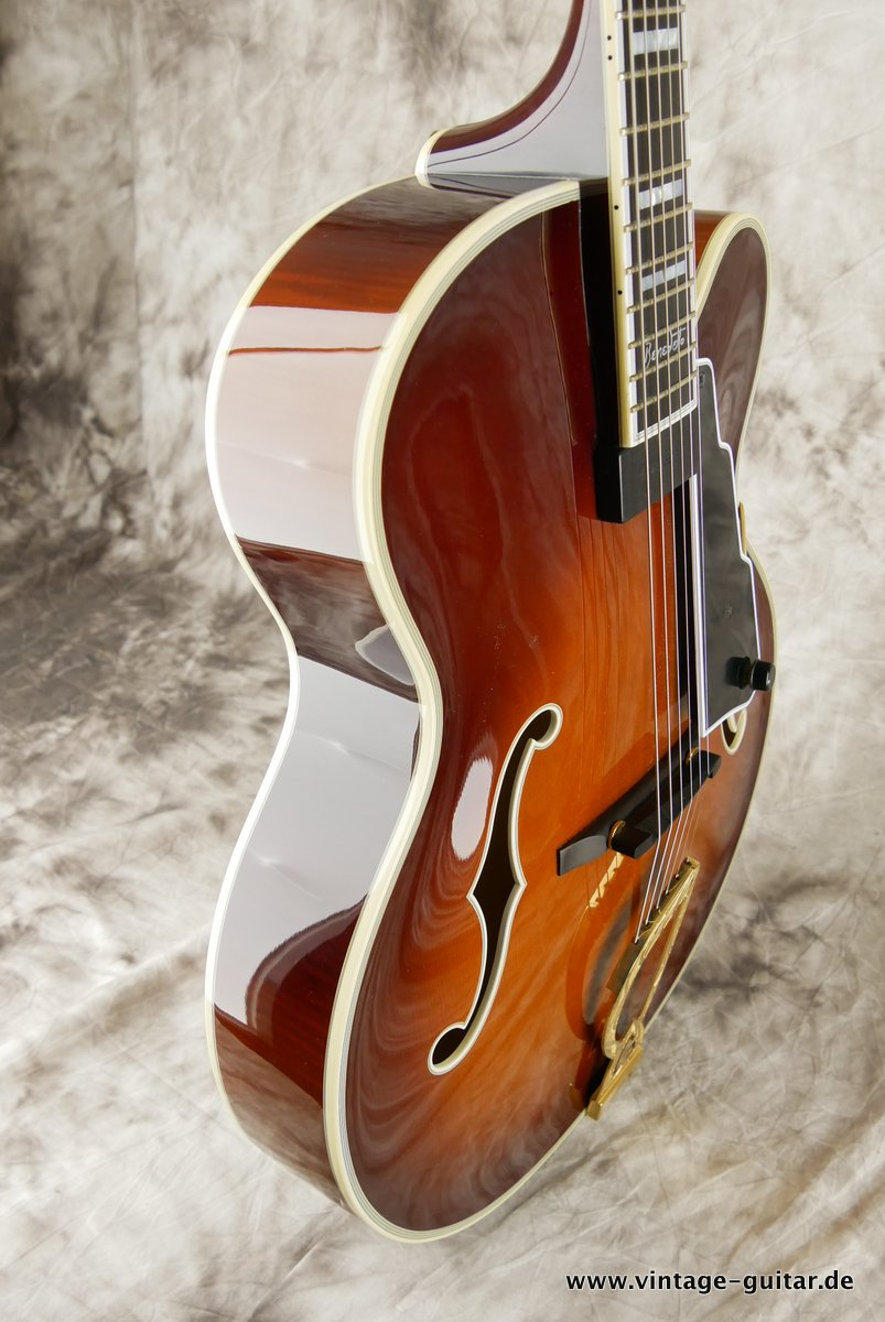 img/vintage/3663/Guild_Benedetto_Johnny_Smith_Award_violin_sunburst_2004-005.JPG