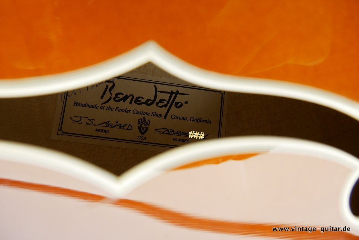 img/vintage/3663/Guild_Benedetto_Johnny_Smith_Award_violin_sunburst_2004-013.JPG