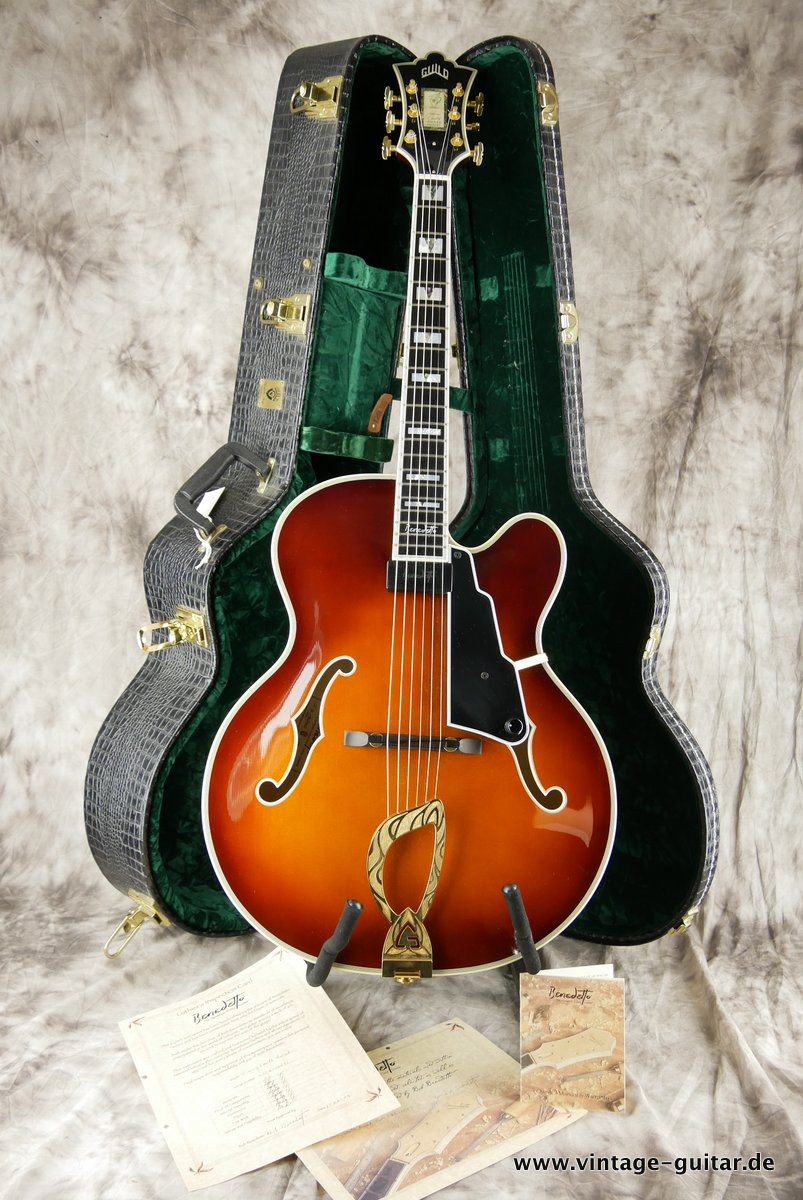 img/vintage/3663/Guild_Benedetto_Johnny_Smith_Award_violin_sunburst_2004-014.JPG