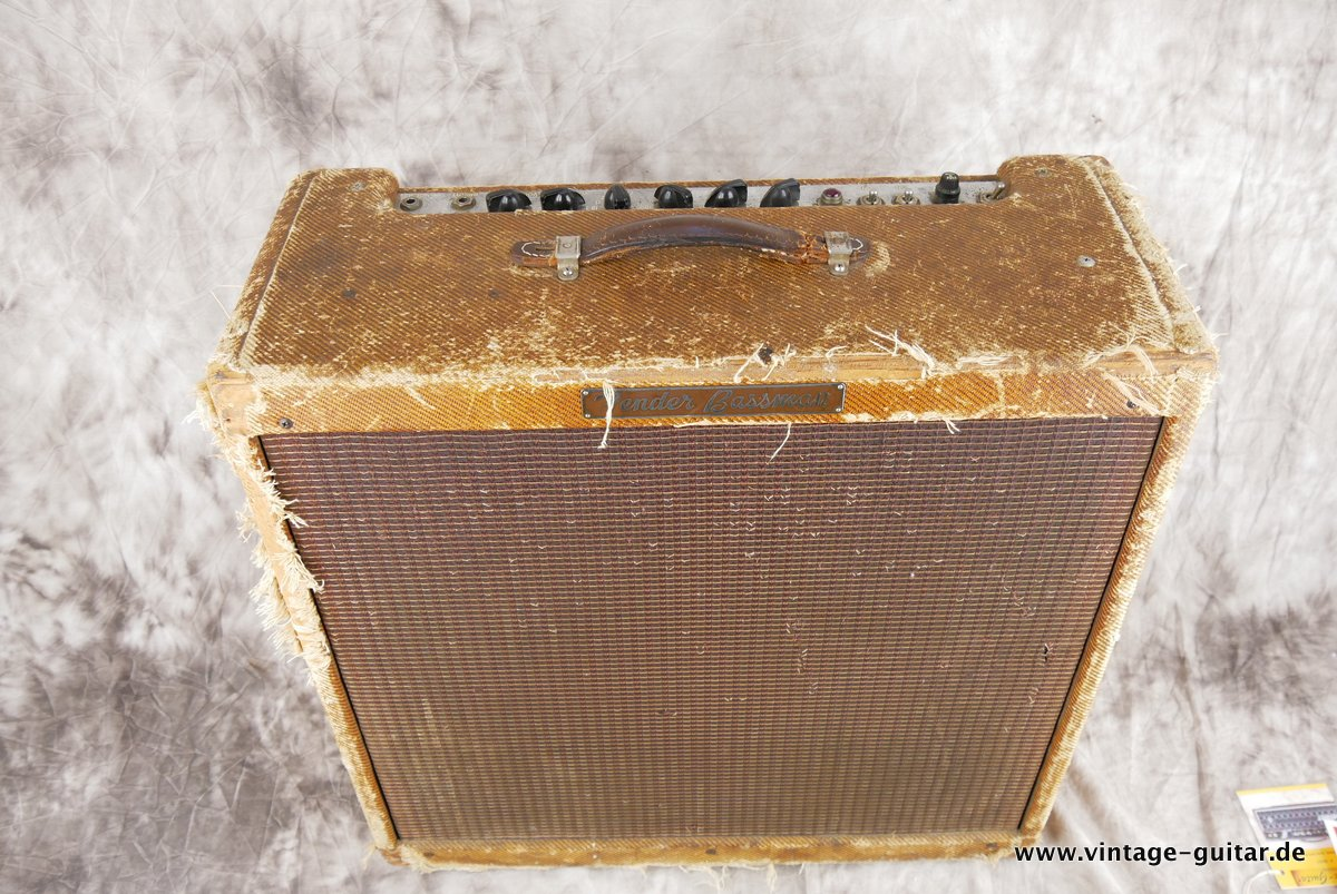 img/vintage/3883/Fender-Bassman-Tweed-1959-original-002.JPG