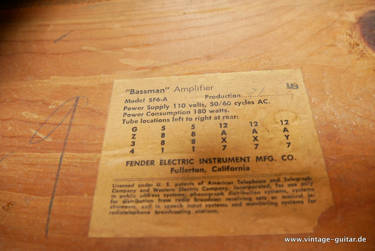 img/vintage/3883/Fender-Bassman-Tweed-1959-original-007.JPG