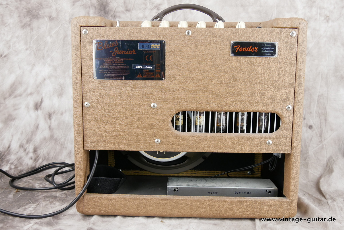 img/vintage/4031/Fender_Blues_Junior_brown_tolex_2008-002.JPG
