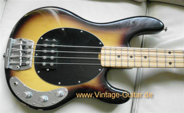 img/vintage/980/Music-Man_Stingray_1982_sunburst-1.jpg